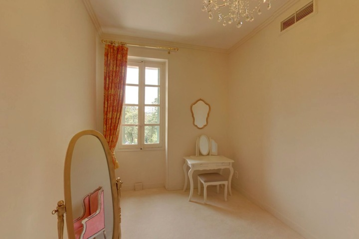 le chateau de barbegal raph le les arles 13. Black Bedroom Furniture Sets. Home Design Ideas