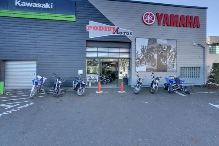 podium motos concessionnaire yamaha kawasaki chartres luc 28. Black Bedroom Furniture Sets. Home Design Ideas