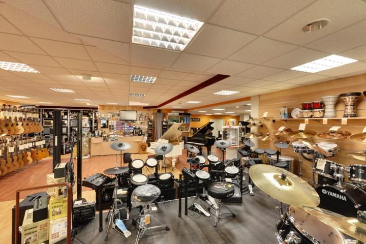 galerie visite virtuelle 360 magasins de musique. Black Bedroom Furniture Sets. Home Design Ideas