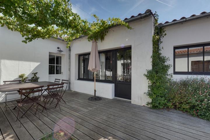 1114 immobilier ile de r maison vendre loix en r. Black Bedroom Furniture Sets. Home Design Ideas