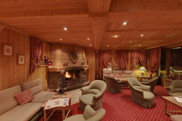 Aux ducs de savoie combloux 74 - Salon roche sur foron ...